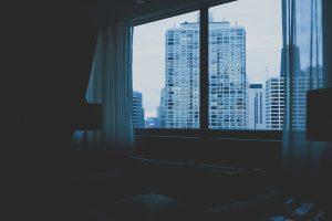 Crise d'asthme dans une chambre d'hôtel
